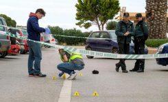 Detienen a una joven de 18 años por matar de una puñalada a su novio en Ibiza